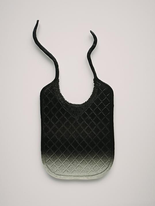 Camisole n°5 – céramique – 34x18x1 cm – 2017