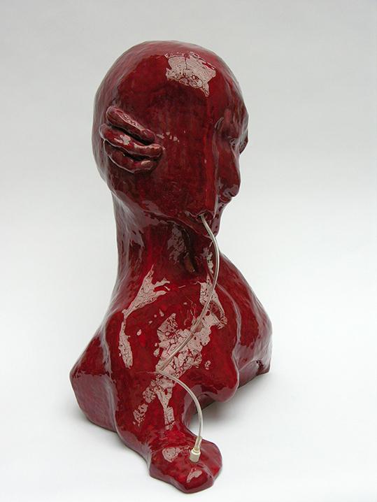 Sous perfusion – céramique – 56x50x29 cm – 2010